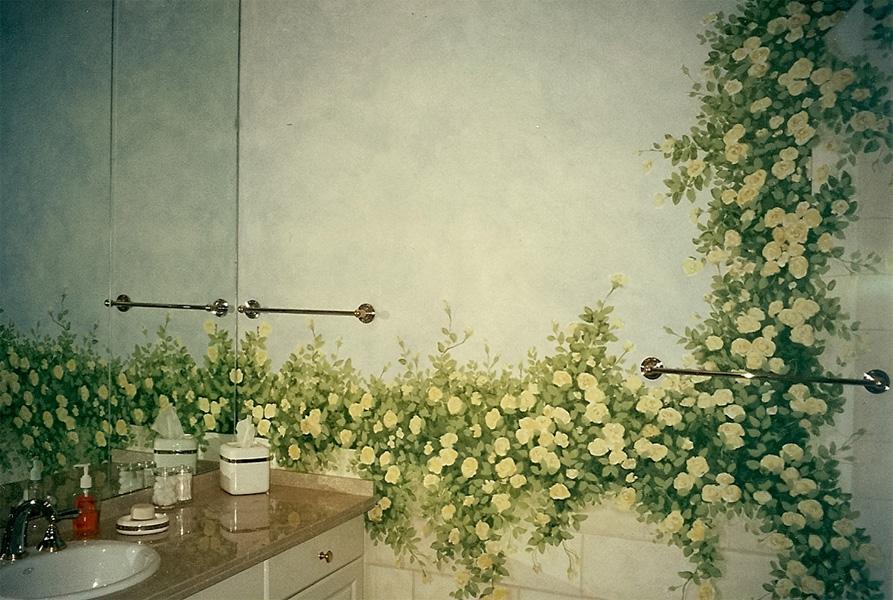 Роспись на стенах ванной комнаты